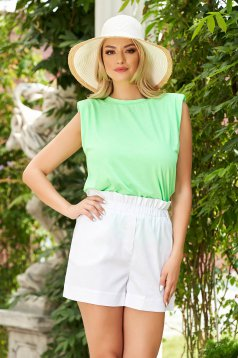 Lightgreen top shirt with easy cut with padded shoulders thin fabric