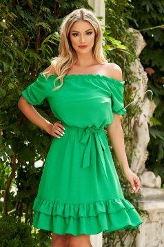 Rochie verde midi de zi din material vaporos cu croi larg si umeri goi