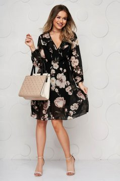 Black dress elegant with v-neckline 3/4 sleeve cloche with elastic waist from veil fabric
