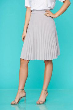 Grey skirt midi cloche from elastic fabric folded up