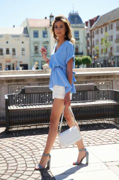 White short casual tented high waisted with pockets