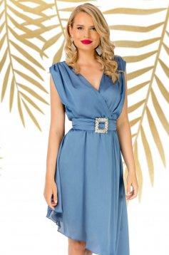 Blue dress elegant asymmetrical cloche with v-neckline accessorized with tied waistband
