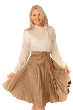 Bluza dama PrettyGirl crem eleganta cu croi larg cu maneca lunga cu guler tip esarfa
