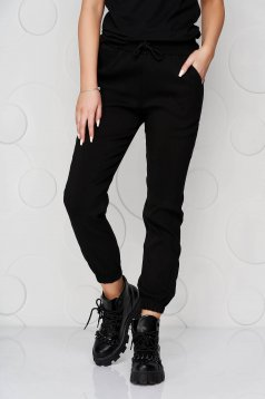 Pantaloni SunShine negri din material subtire cu buzunare si talie medie
