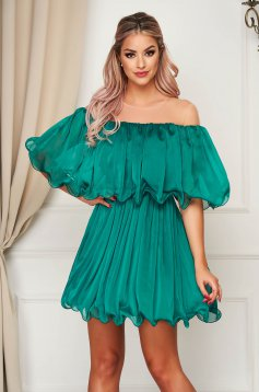 Green dress short cut cloche off-shoulder occasional thin fabric