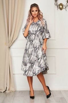 Grey dress daily cloche with v-neckline with 3/4 sleeves thin fabric