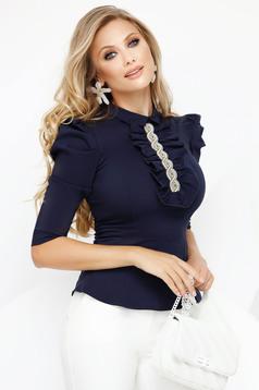 Camasa dama Fofy albastru-inchis office cu maneca 3/4 din bumbac usor elastic cu un croi mulat guler cu volanase