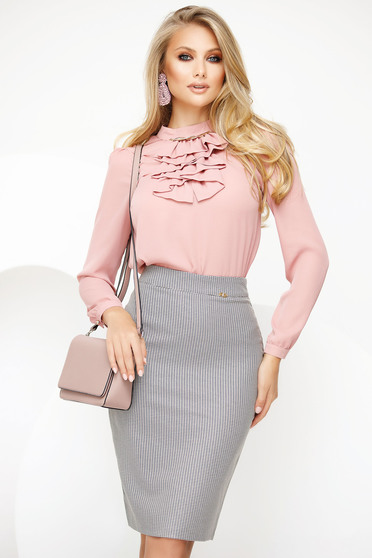 Bluza dama Fofy roz prafuit eleganta din voal cu accesoriu metalic guler cu volanase
