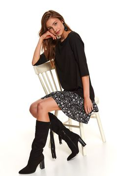 Black dress daily short cut straight with ruffles at the buttom of the dress
