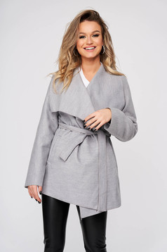 Grey trenchcoat casual long sleeve from soft fabric accessorized with tied waistband