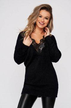 Pulover SunShine negru cu croi larg cu decolteu in v cu aplicatii de dantela din material tricotat