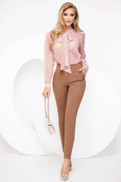 Bluza dama Fofy roz deschis eleganta cu croi larg cu guler tip esarfa din voal fir stralucitor
