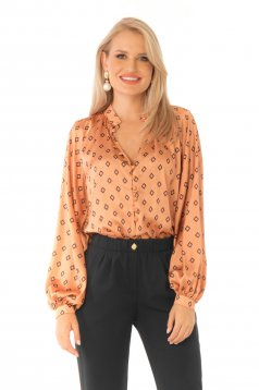 Women`s blouse brown elegant flared with puffed sleeves with geometrical print
