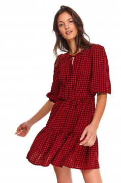 Red dress short cut daily with chequers cloche short sleeves