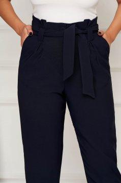 Pantaloni Artista albastru-inchis office conici din stofa cu buzunare