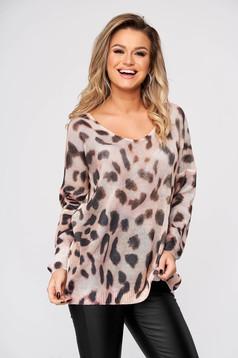 Bluza dama SunShine crem casual cu croi larg cu decolteu in v din material tricotat animal print