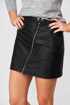 Black skirt casual short cut from ecological leather with tented cut