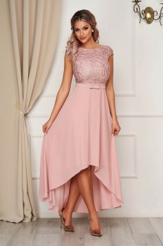 Rochie StarShinerS roz prafuit de ocazie asimetrica cu croi in clos si broderie florala