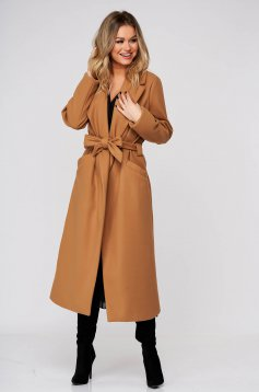 Brown coat elegant straight from non elastic fabric accessorized with tied waistband