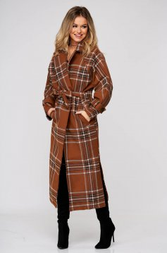 Brown coat long with straight cut accessorized with tied waistband from non elastic fabric with chequers