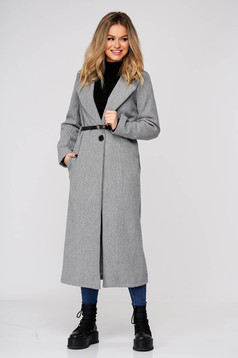 Grey coat long straight cloth with pockets accessorized with belt