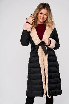 Black jacket casual midi from slicker with straight cut with faux fur accessory