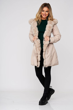 Cream jacket casual from slicker double-faced arched cut with undetachable hood