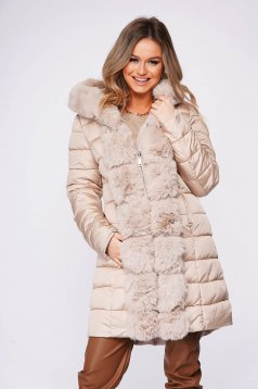 Cream jacket casual from slicker double-faced arched cut with faux fur accessory