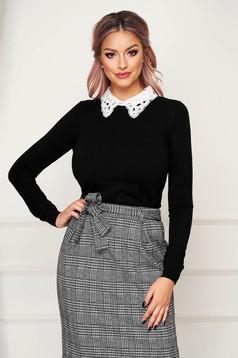 Black sweater elegant short cut tented knitted