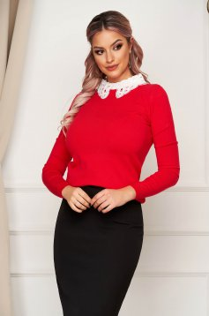 Red sweater elegant short cut tented knitted