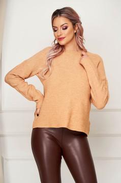 Bluza dama SunShine maro casual tricotata cu croi larg si guler barcuta