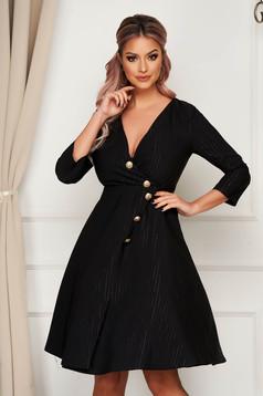 Rochie neagra eleganta midi in clos din stofa usor elastica accesorizata cu nasturi