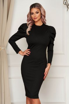 Black dress elegant with tented cut with v-neckline