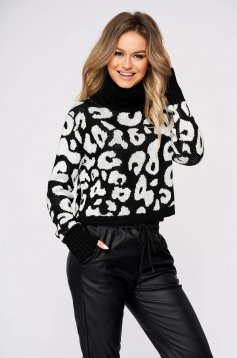 Black sweater casual short cut flared with turtle neck knitted fabric
