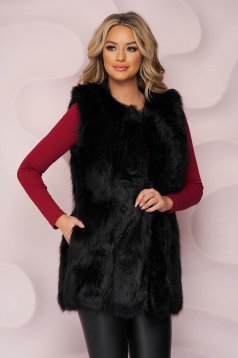 Black gilet from ecological fur with inside lining with straight cut