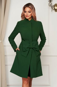Cloche with inside lining accessorized with tied waistband elegant with bow green coat