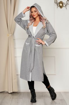 StarShinerS grey cardigan casual with easy cut accessorized with tied waistband with embroidery details
