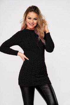Pulover SunShine negru casual din material tricotat cu un croi mulat