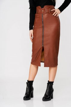 Brown skirt high waisted pencil from ecological leather accessorized with belt