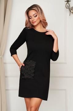 Rochie StarShinerS neagra scurta de zi din jersey cu croi drept si buzunar decorativ cu plasa