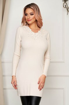 Cream dress casual knitted with raised flowers tented short cut