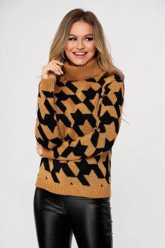 Pulover SunShine maro casual tricotat pe gat cu croi larg in carouri