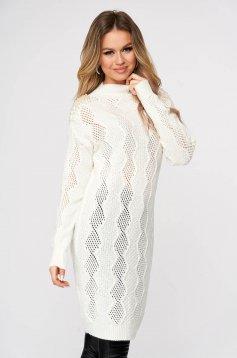 Pulover SunShine alb lung tricotat cu croi larg si aplicatii cu perle