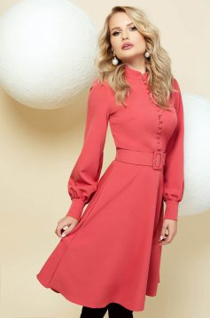 Elegant coral cloche dress with puffed sleeves accessorized with belt