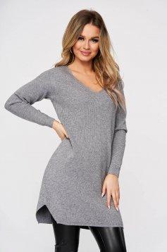 Bluza SunShine gri tricotat din material reiat din material elastic si fin slit lateral cu decolteu in v