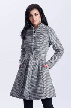 White coat office cloche cloth with pockets