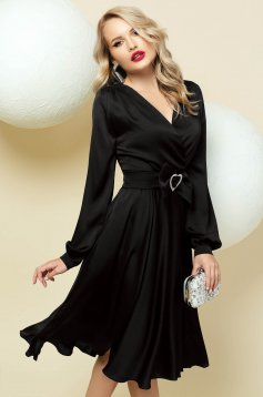 Cloche black dress wrap over front with v-neckline accessorized with belt