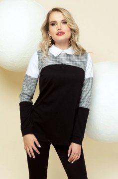 Bluza dama PrettyGirl neagra office cu imprimeu in carouri cu guler se inchide la spate cu un nasture