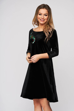 Dress StarShinerS black occasional velvet flared v back neckline front embroidery with inside lining
