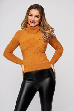 Mustard sweater polyamide from fluffy fabric from elastic and fine fabric tented